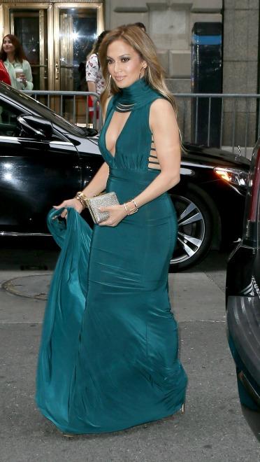 Jennifer Lopez U Haljini Kreatorke Meline Džinović Harpers Bazaar