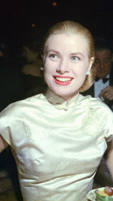 1956: crvene usne