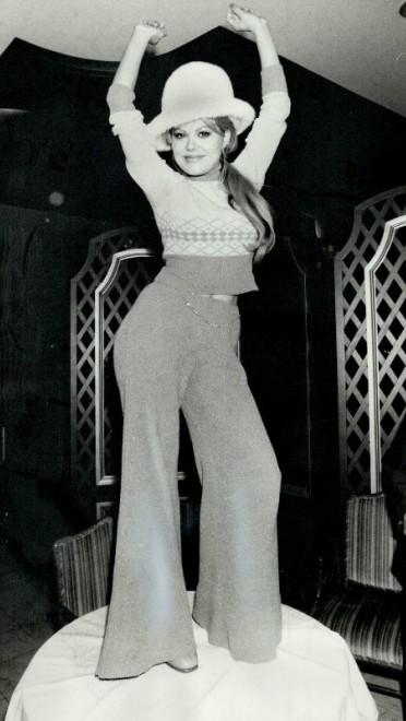1974: rep sa strane