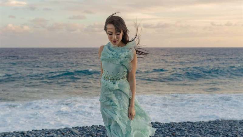 Svestrane haljine