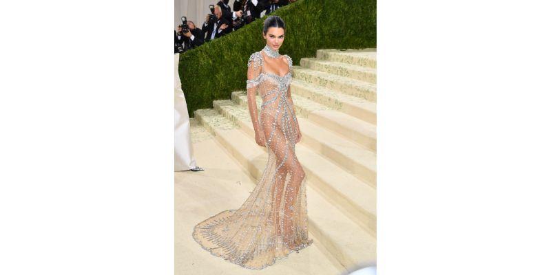 Kendall Jenner u Givenchy haljini