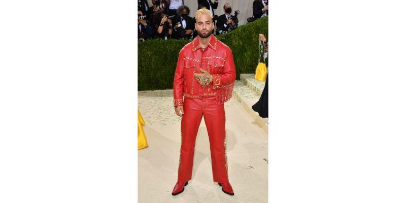 Maluma u Versace outfitu